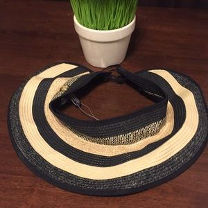 40ba45faae2 Vince Camuto Accessories - Vince Camuto Ombre Striped Visor Hat Black NWT